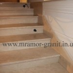 мраморная лестница с плинтусом