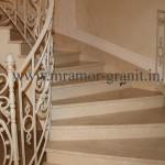 Лестница из мрамора Crema Marfil Antik